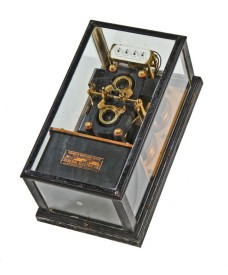 "very rare c. 1907 oversized astatic ""cs"" type glass paneled case switchboard thomson watthour meter with a double set of current coils – general electric company, schenectady, ny."